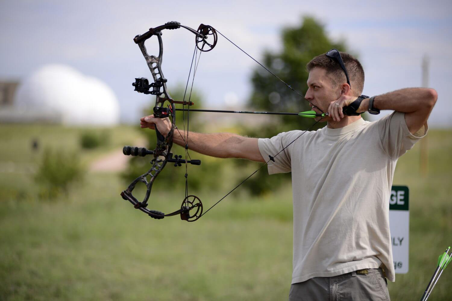 Compound bow accessories